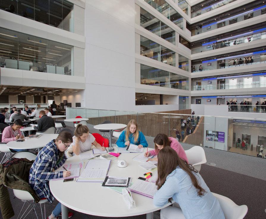 Photo: City of Glasgow College, Riverside Campus - Library